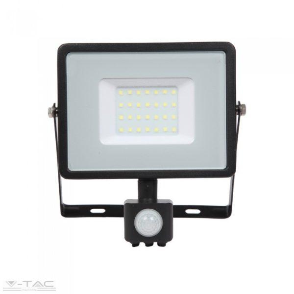 www.helloled.hu V-Tac 30W Mozgásérzékelős LED reflektor fekete IP65