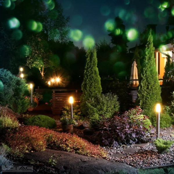 Ezüst rögzíthető kerti álló lámpatest E27 foglalattal acél váz IP44 - 8962