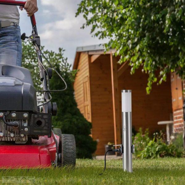 Ezüst kerti mozgásérzékelős álló lámpatest E27 foglalattal, 220V dugalj, acél váz IP44 - 8977Ezüst kerti mozgásérzékelős álló lámpatest E27 foglalattal, 220V dugalj, acél váz IP44 - 8977