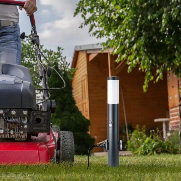 Fekete kerti mozgásérzékelős álló lámpatest E27 foglalattal, 220V dugalj, acél váz IP44 - 8979